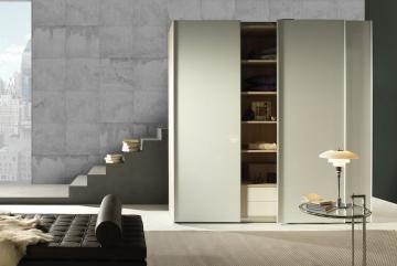 Noteborn Move vrijstaande kast met zwevende deuren
