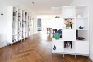 ABC-Quadrant-boekenkast-en-ruimtedeler-roomdevider-lak-zuiver-wit