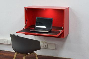 Hammel-desk-thuiswerkplek-met-led-licht-lak-rood-360