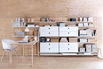 String-werkplek-met-houten-buro-en-ladekastjes-wit-360